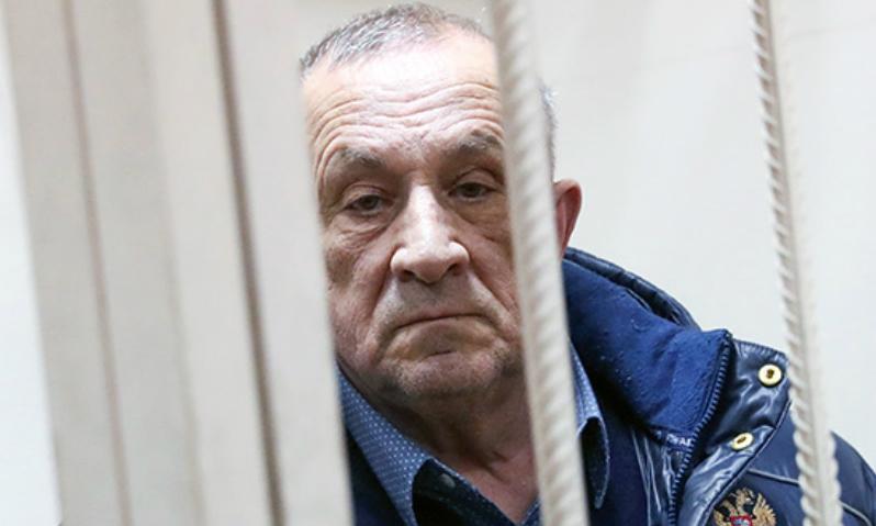 Суд арестовал 7 квартир в Москве обвиненного в коррупции экс-главы Удмуртии