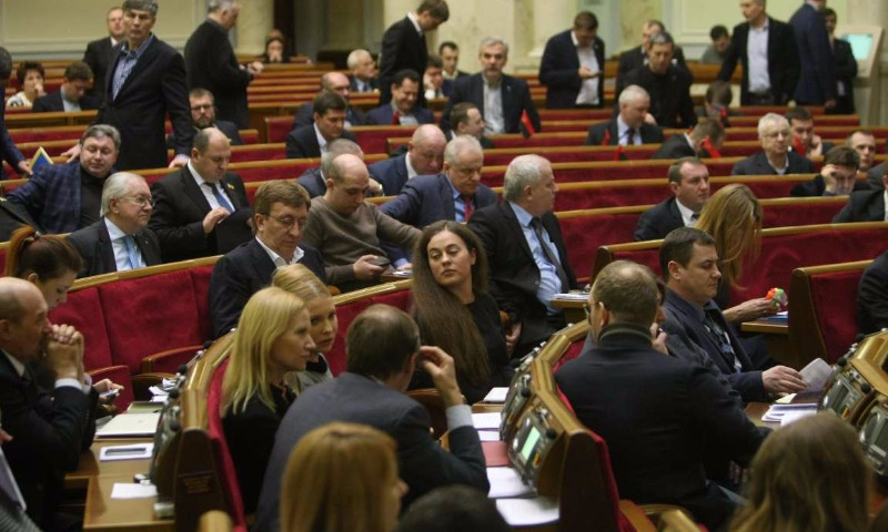 Депутаты Верховной рады почти единогласно проголосовали за членство Украины в НАТО