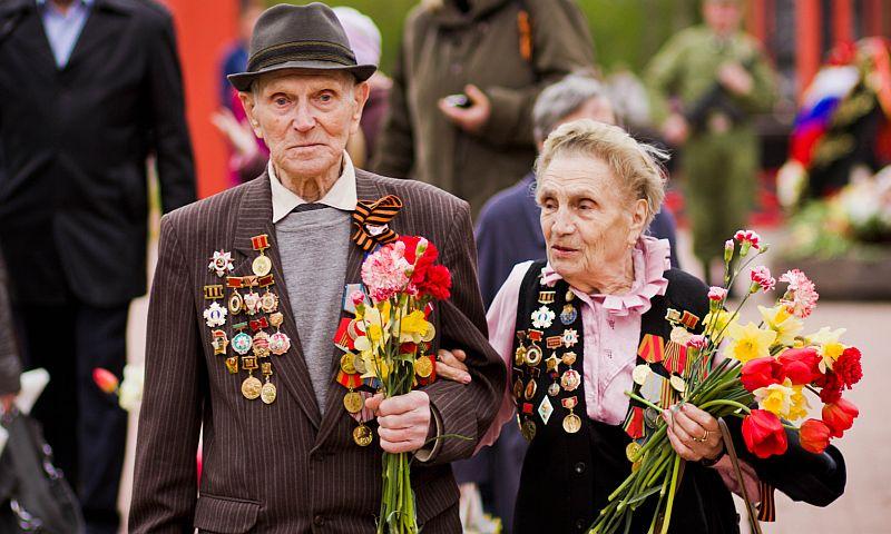 Студенты российских вузов главным символом настоящего патриотизма назвали ветеранов ВОВ