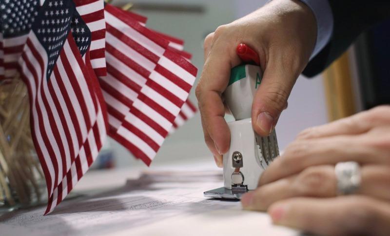 США ужесточили требования для получения американской визы