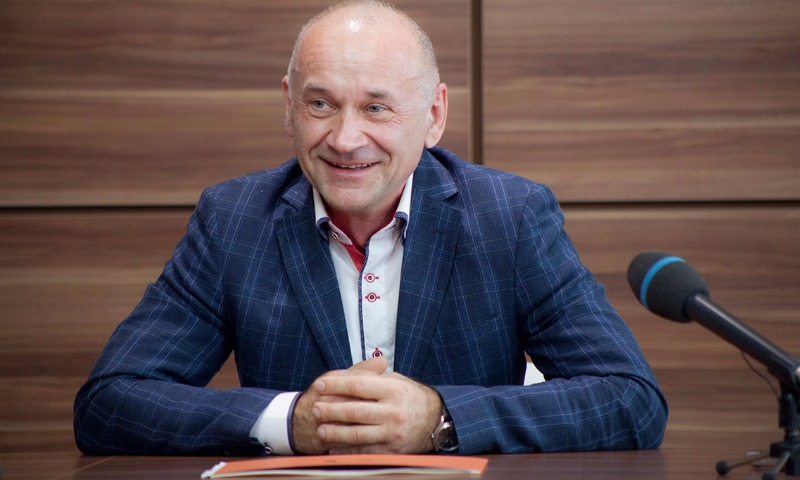 Вслед за Сафиным заявление о сложении полномочий написал еще один депутат от