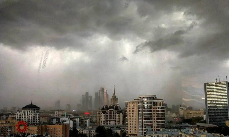 Шквалистый ветер снова идет на Москву