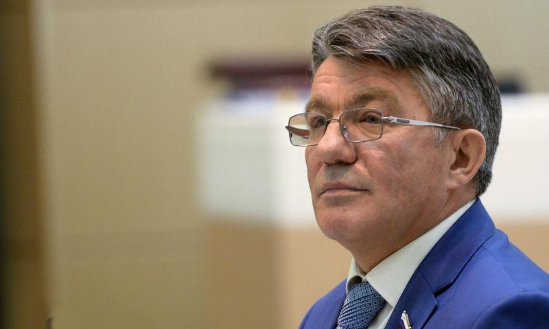 Сенатор Озеров оставил пост главы Комитета по обороне и безопасности