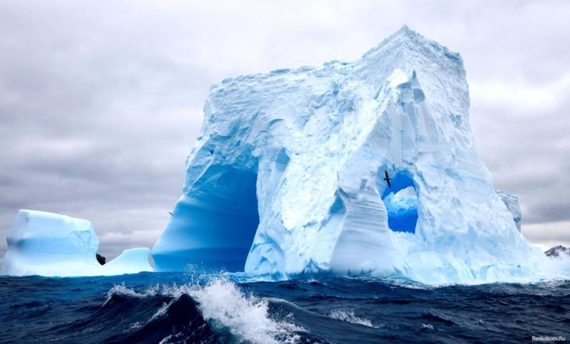 NASA показало процесс образования гигантского айсберга вАнтарктиде