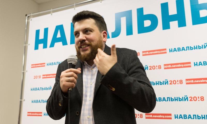 Глава штаба Навального подозревается в осквернении памятника
