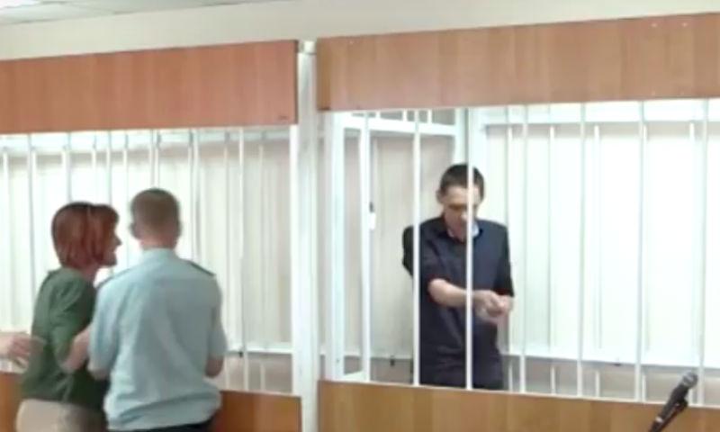 Белгородский «Мавроди» порезал себе вены в зале суда