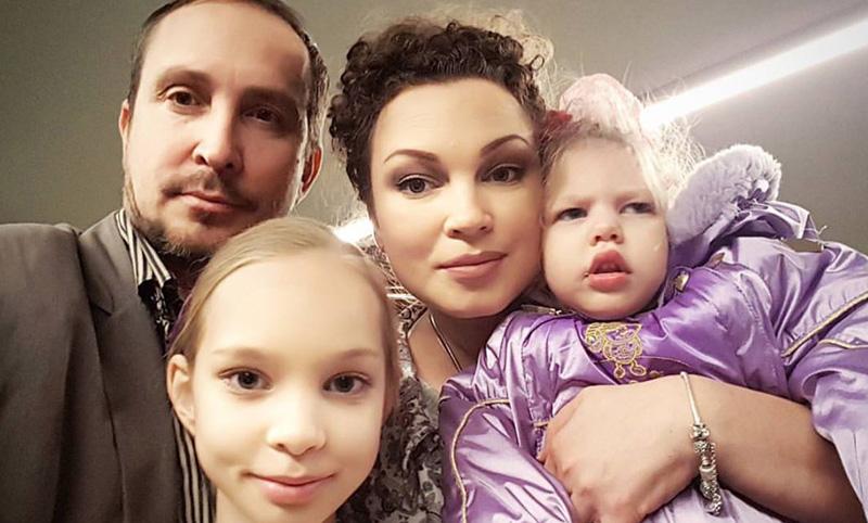Данко обвиняет жену в измене из-за ДЦП у дочери