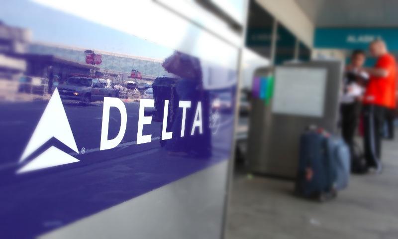 В Delta рассказали, за что сняли россиянина с авиарейса в США