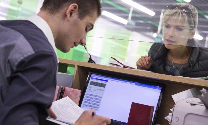 Депутаты в три раза подняли планку долга для запрета на выезд за границу