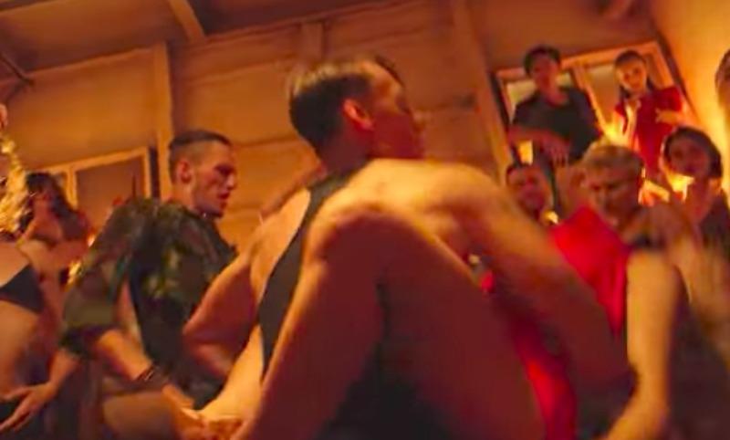 Новый клип Дмитрия Monatika шокировал поклонников певца грязными танцами