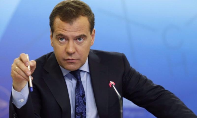 Медведев: В Белом доме процветает воровство ручек