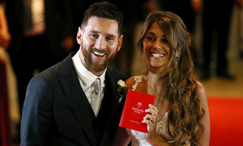 Лионель Месси женился на подруге детства в родном городе Росарио