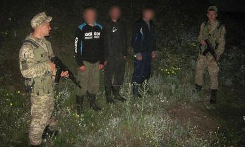 Украинская погранслужба рассказала о задержании трех россиян