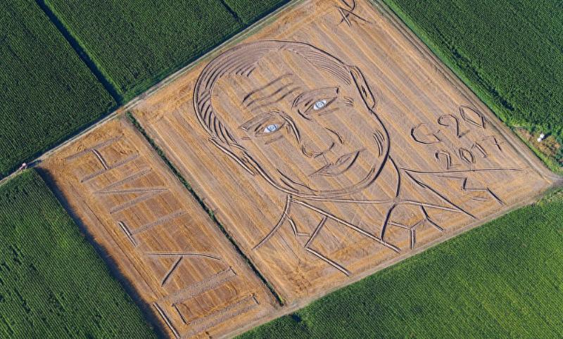 Итальянский фермер создал на поле гигантский портрет Путина в честь предстоящего саммита G20