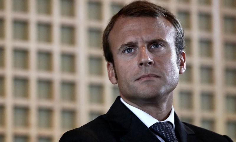 Для убийства Эммануэля Макрона мужчина пытался купить «Калашников» во Франции