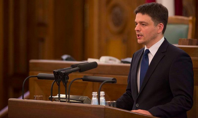 Назвавший русских вшами латвийский депутат отказался ехать в Минск