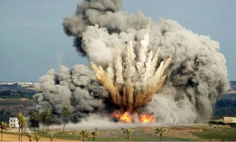 Видео авиаудара ВКС России по террористам ИГИЛ опубликовало Минобороны