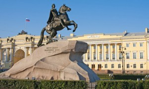 Календарь: 18 августа - В Санкт-Петербурге появился Медный всадник