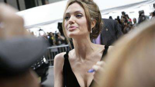 Голодовка Анджелины Джоли поразила Голливуд