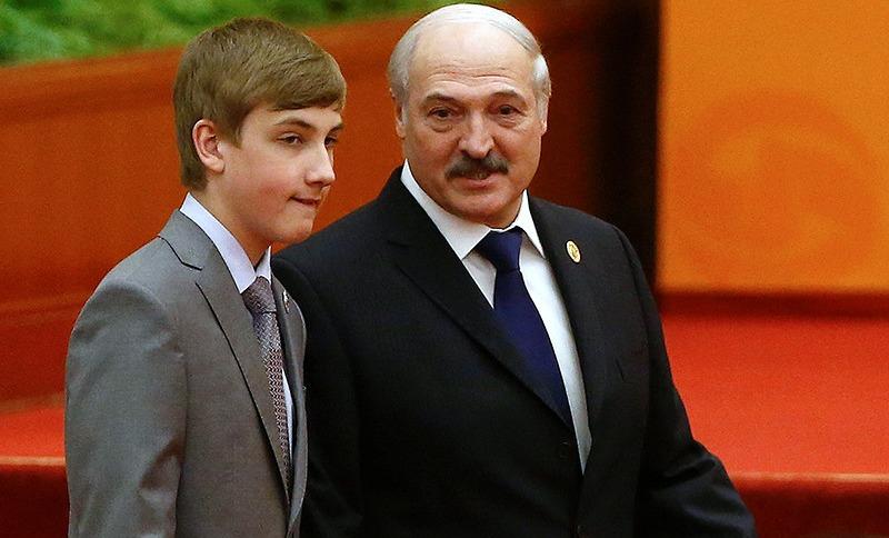 Коля Лукашенко захотел пострелять, и глава КГБ привез ему винтовки