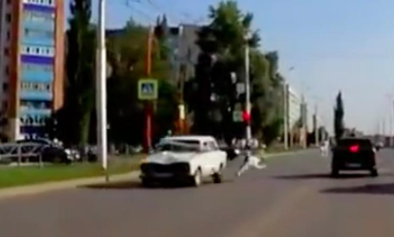 Сбитая разогнавшейся машиной в Башкирии девушка чудом осталась жива