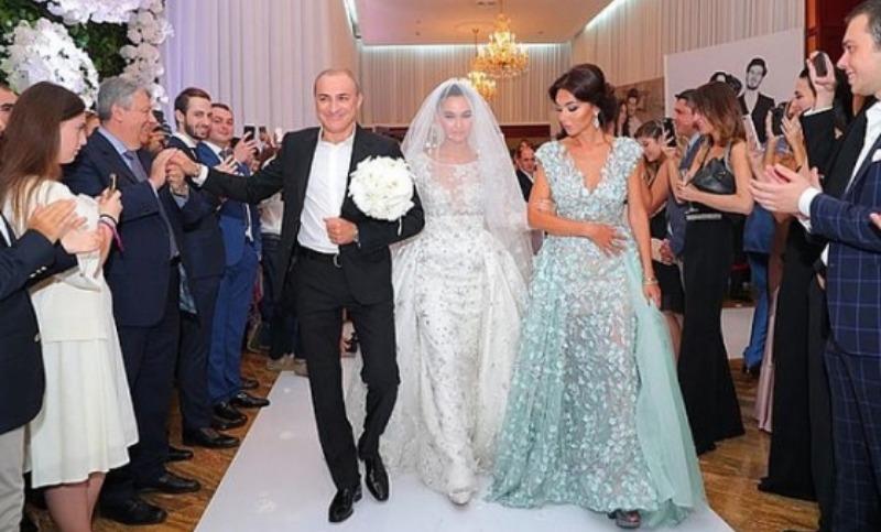 «Потрясающая»: дочь Юдашкина - о роскошной свадьбе дочери Турецкого