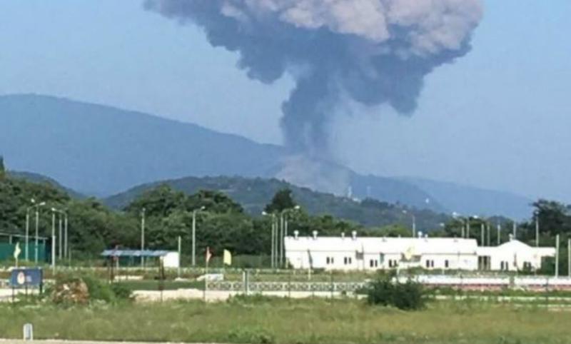 Около 20 российских туристов пострадали от взрыва на военном складе в Абхазии