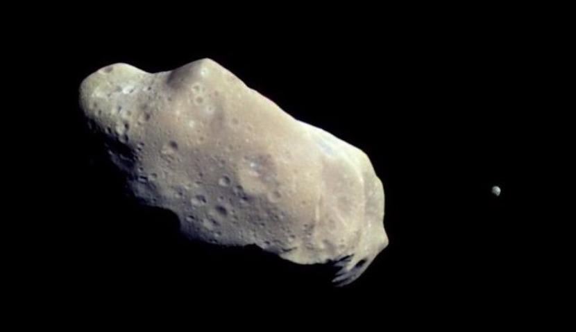 NASA выложило в Сеть видео крупнейшего астероида, летящего к Земле