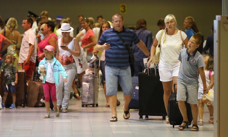 Российские туристы спешно покидают Турцию из-за опасного вируса