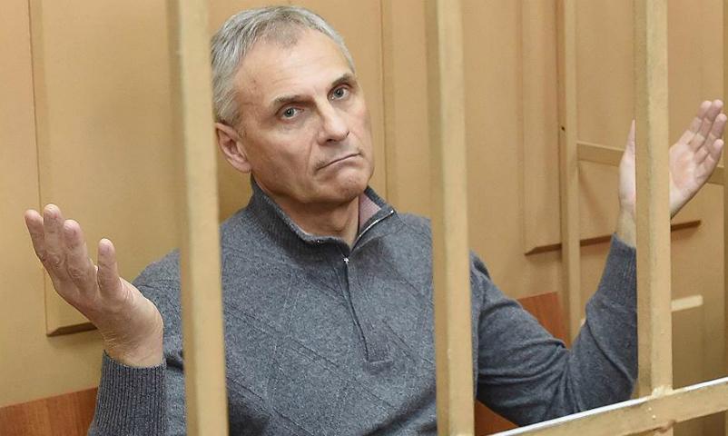 Экс-губернатор Сахалина Хорошавин перенес инсульт в СИЗО