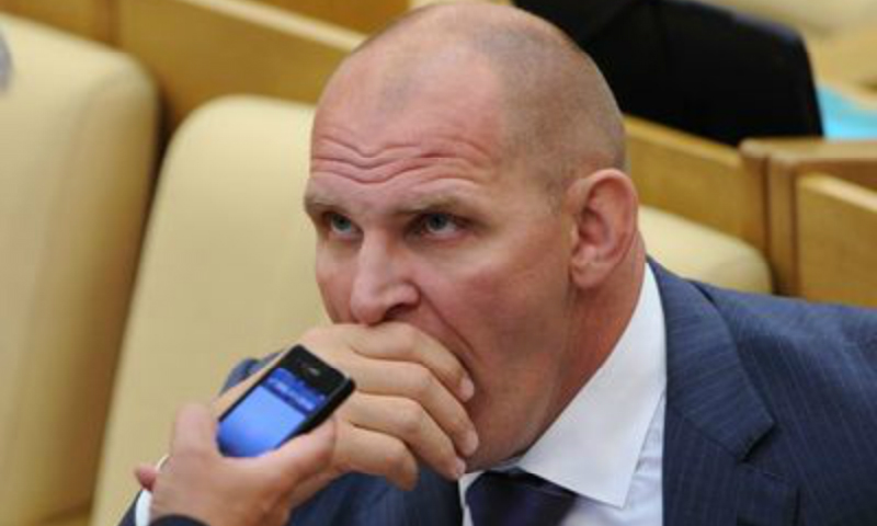 Депутаты-тунеядцы: 17 членов Государственной думы не пишут законы и не выступают