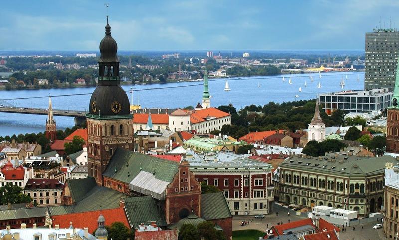 Латвия усложнила процедуру оформления виз для российских туристов