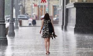 На столичный регион с запада надвигается «стена дождя»