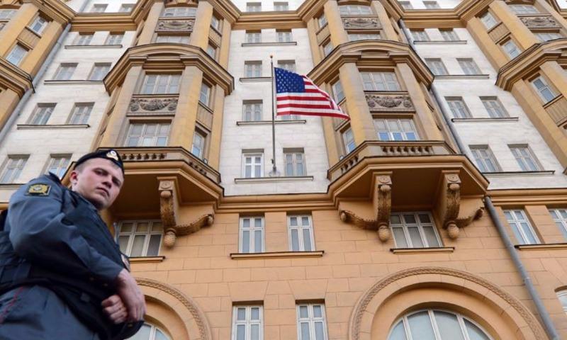 Посольство США в России приостановило выдачу виз на неопределенное время