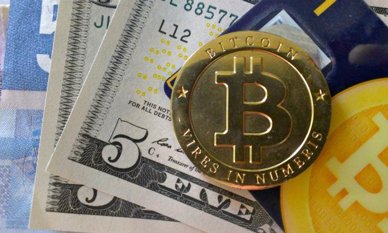 Цена биткоина установила новый рекорд, пробив отметку в 5000 долларов