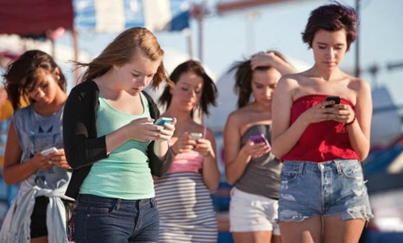 Смартфоны породили радикально новое поколение