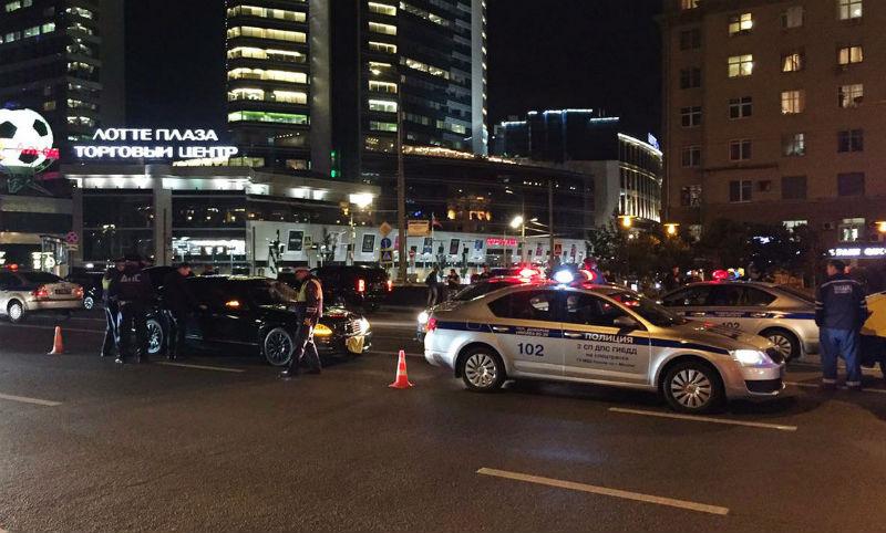 Опубликовано видео с места смертельного наезда машины ФСБ на полицейского