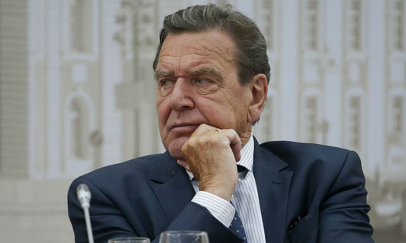 Экс-канцлер Германии Шредер избран главой совета начальников «Роснефти»
