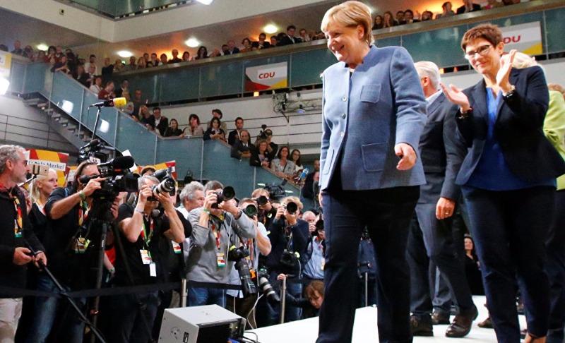 Ангела Меркель обещает Германии остаться канцлером