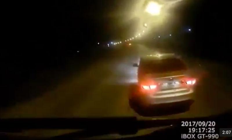 Грубые нарушения правил начальником ГИБДД Чистополя снял регистратор КАМАЗа
