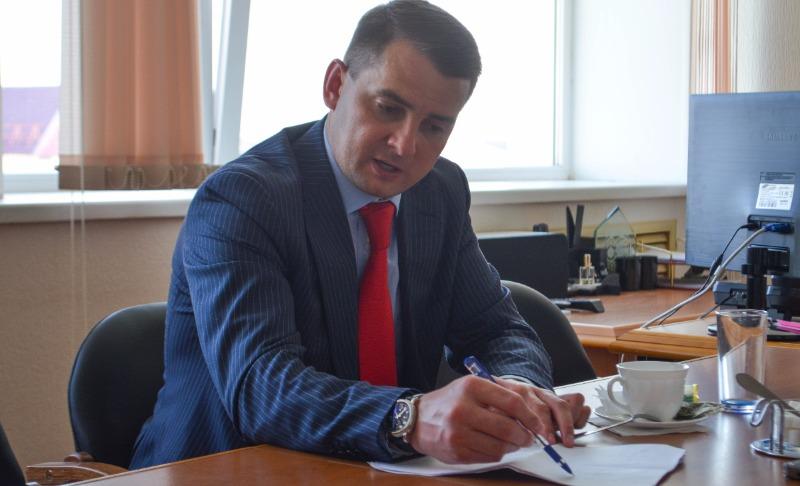 Депутат придумал спасение для нищих россиян с iPhone