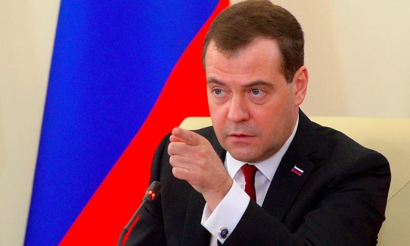 Медведев озаботился защитой прав российских потребителей
