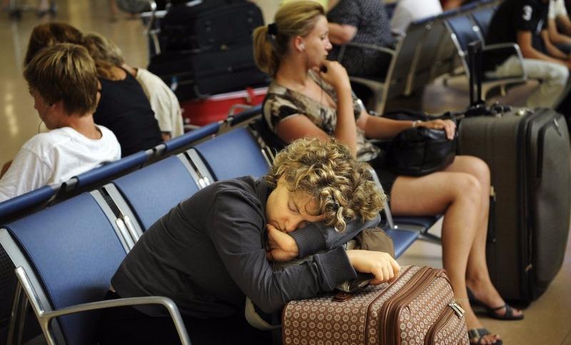 Спасать застрявших в аэропортах пассажиров проворовавшихся компаний предложили россиянам