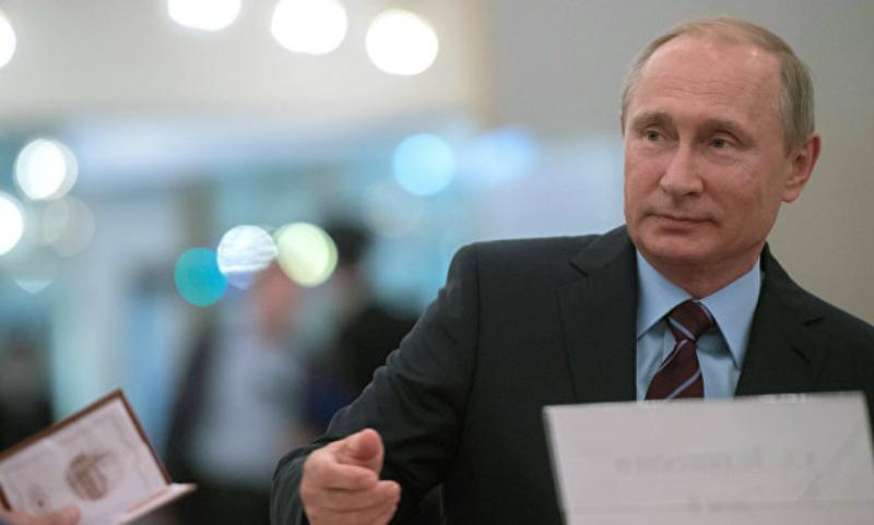 Владимир Путин проголосовал на муниципальных выборах в здании РАН