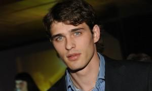 Бывший пиарщик актера Василия Степанова потребовал с него миллион рублей