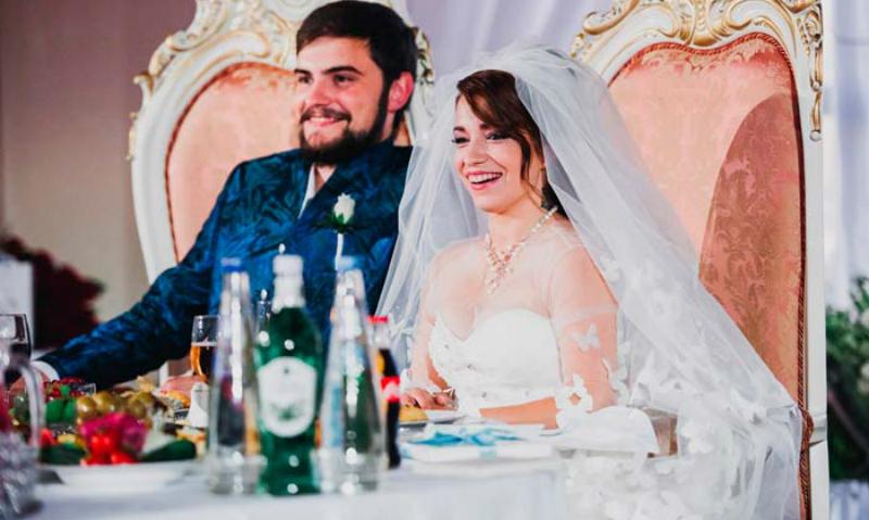 Дочь Розы Сябитовой впервые рассказала о странном разводе после шикарной свадьбы