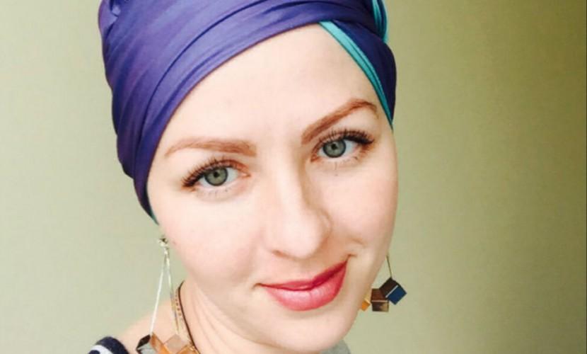 Молодая российская журналистка, отчаянно борющаяся с онкологией, вернулась на родину