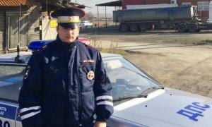 Уральский полицейский спас многодетную семью из горящего дома
