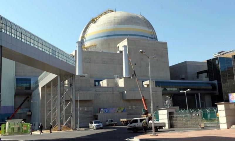 Плачевная ситуация украинских АЭС грозит миру новым Чернобылем