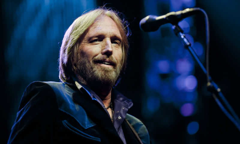 Знаменитый рок-музыкант скончался в США после долгой болезни